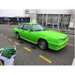 Groene Opel Manta uit New Kids.